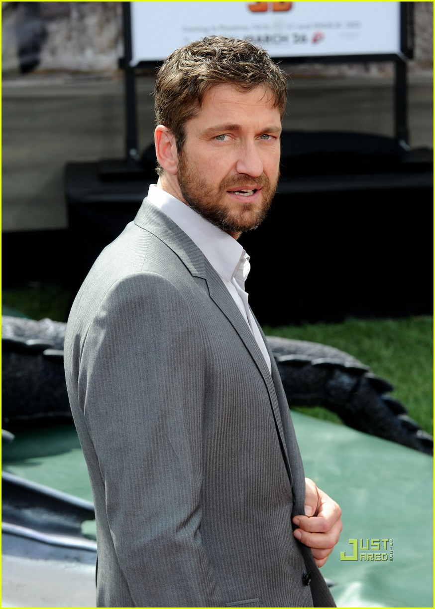 gerard butler how to train your dragon premiere 052436275