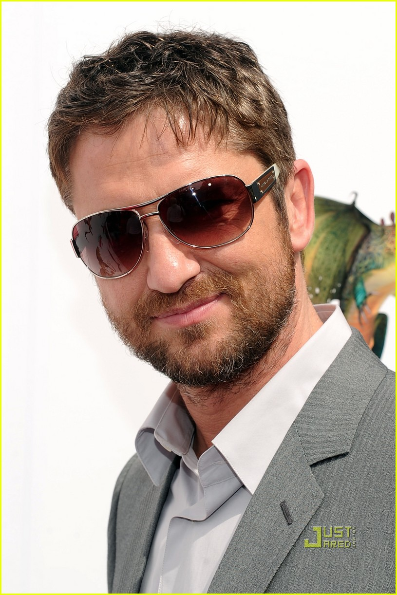 gerard butler how to train your dragon premiere 082436278
