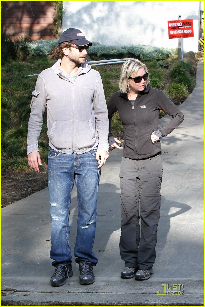 bradley cooper renee progress pair 09