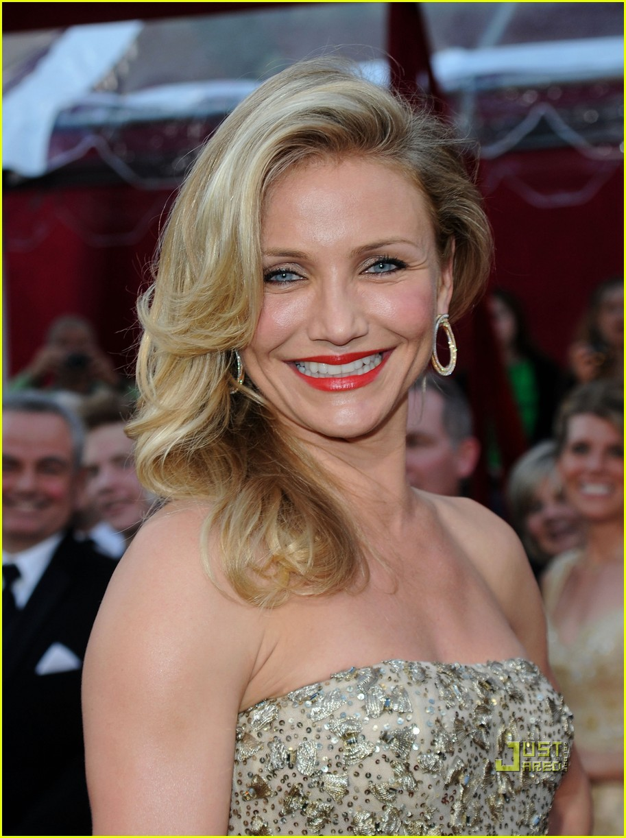 cameron diaz 2010 oscars red carpet 012432913
