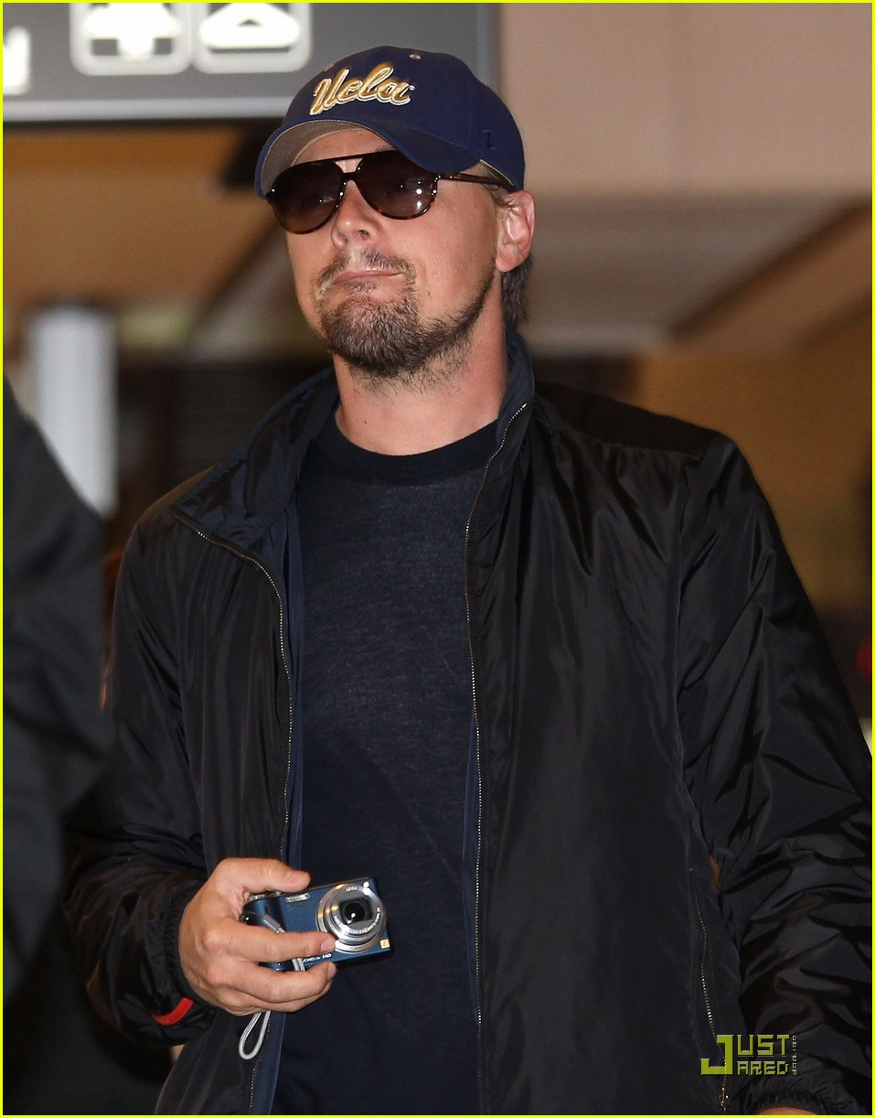 leonardo dicaprio is new to narita 032433670