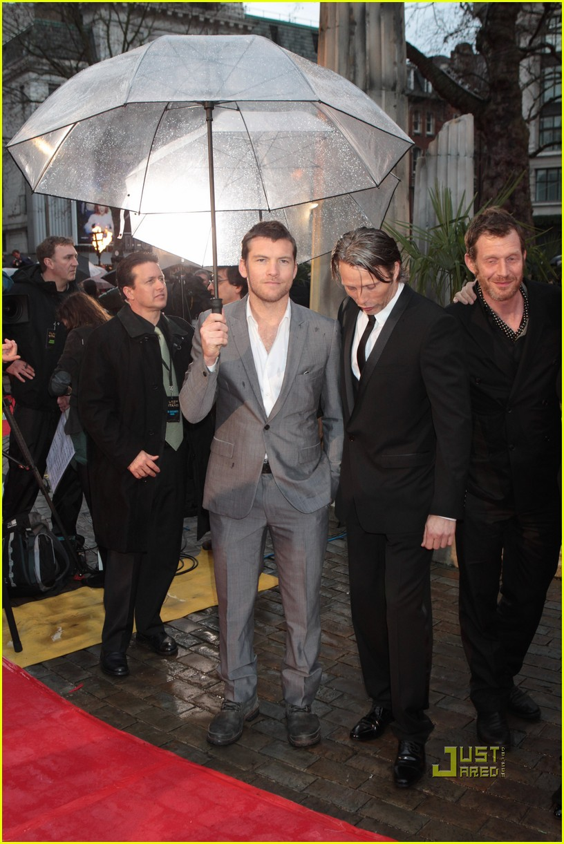 sam worthington gemma arterton premiere 022438440