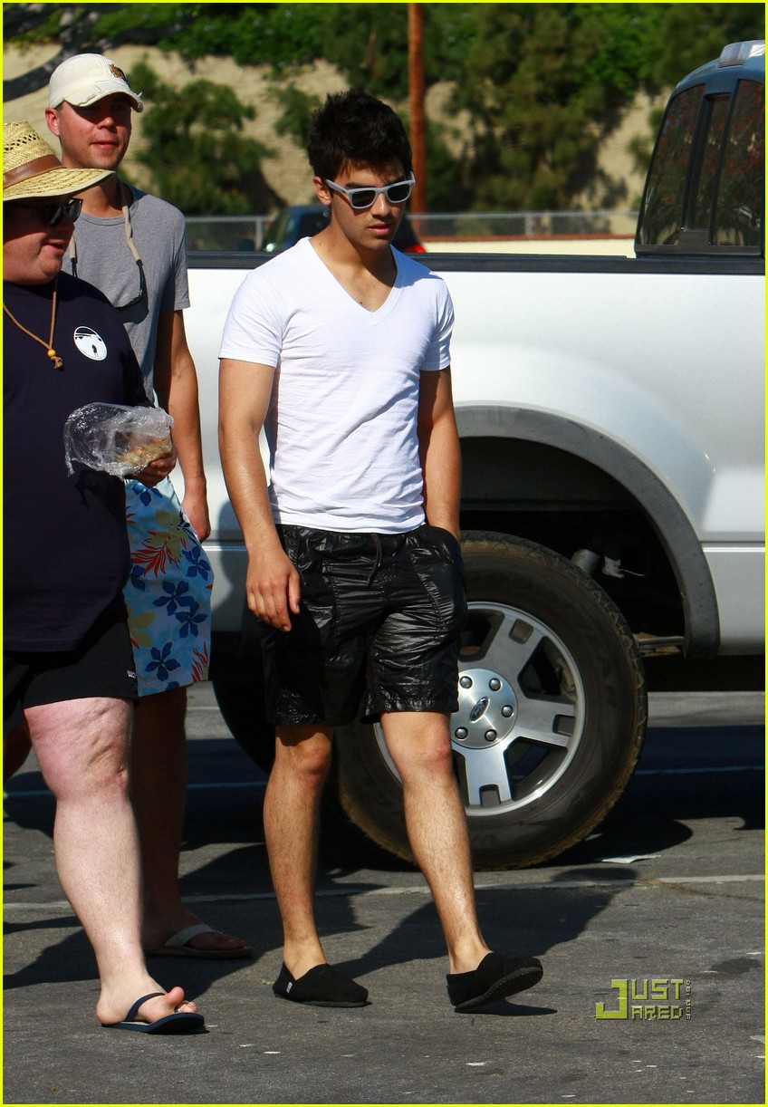nick jonas muscles arm 212438373