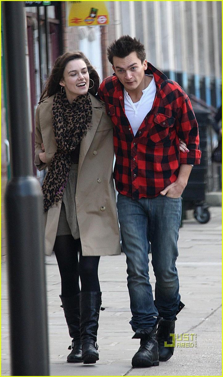 Keira Knightley And Boyfriend 2013 Keira Knightley: Capta...