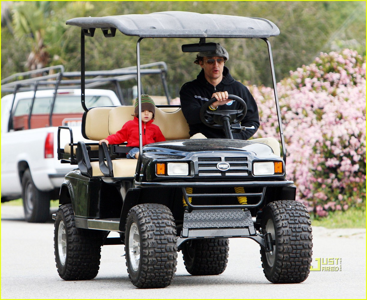 levi matthew mcconaughey golf cart 08