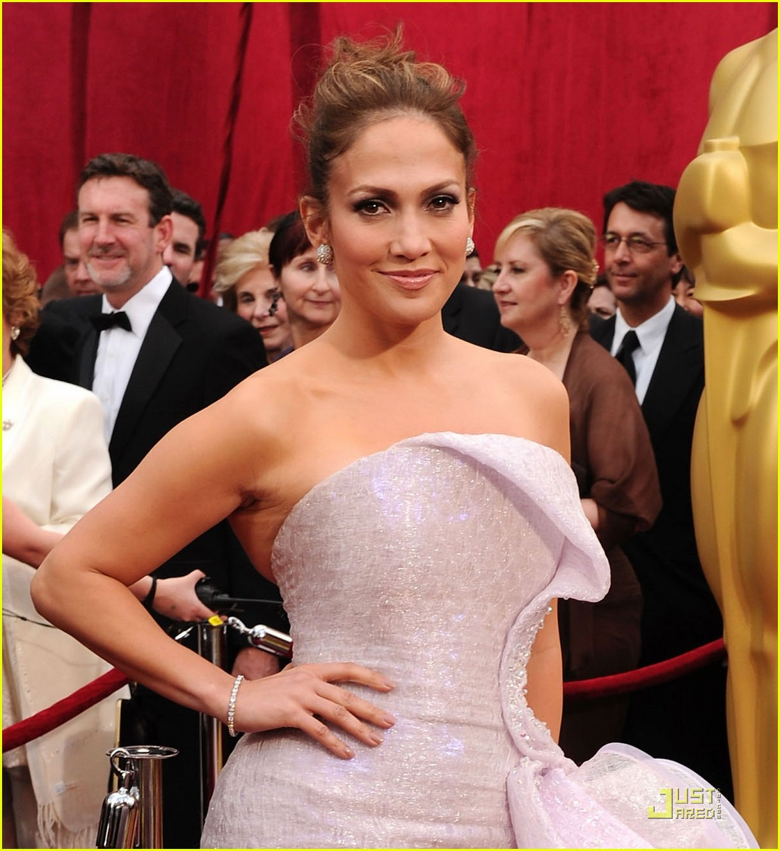 jennifer lopez oscars 2010 red carpet 08