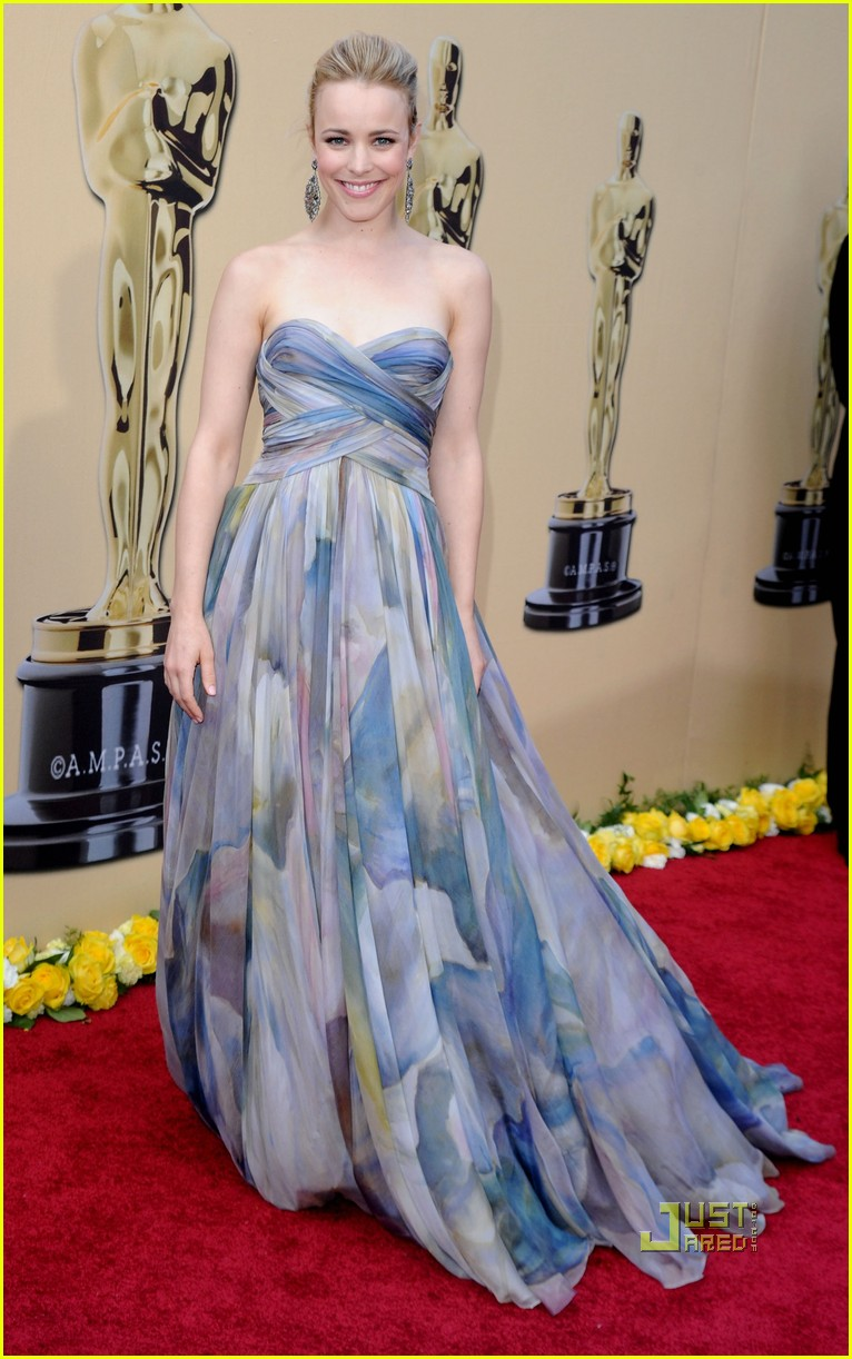 rachel mcadams 2010 oscars red carpet 05