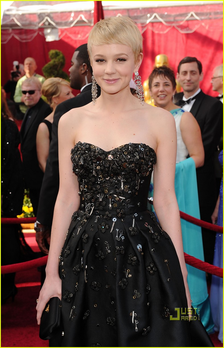 carey mulligan 2010 oscars red carpet 02