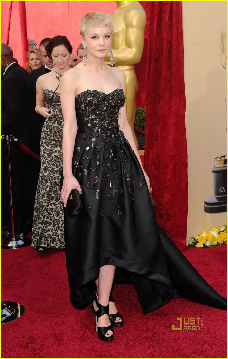 carey mulligan 2010 oscars red carpet 03