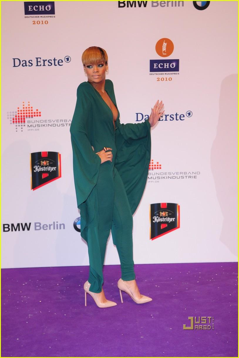 rihanna 2010 echo awards berlin 012431975