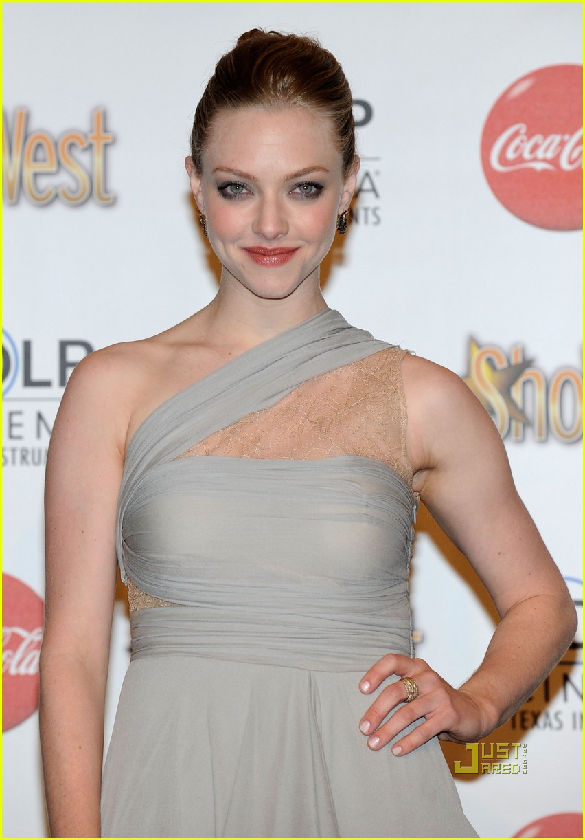 amanda seyfried showest breakthrough female star of the year 03