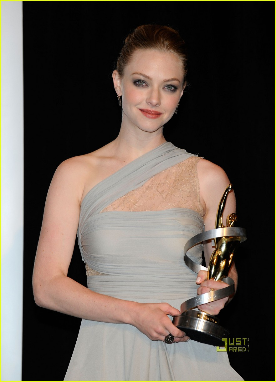 amanda seyfried showest breakthrough female star of the year 102435871