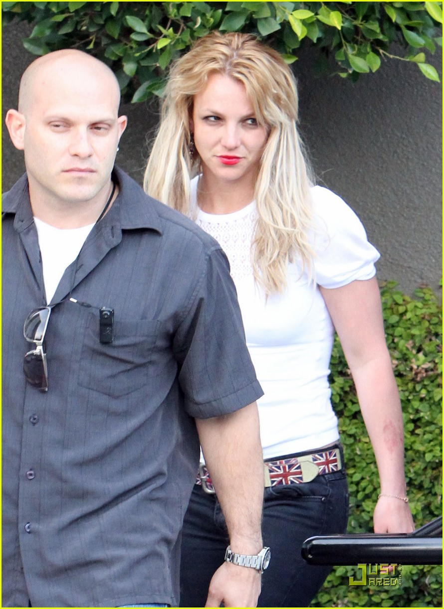 britney spears cigarettes and coffee 062436626