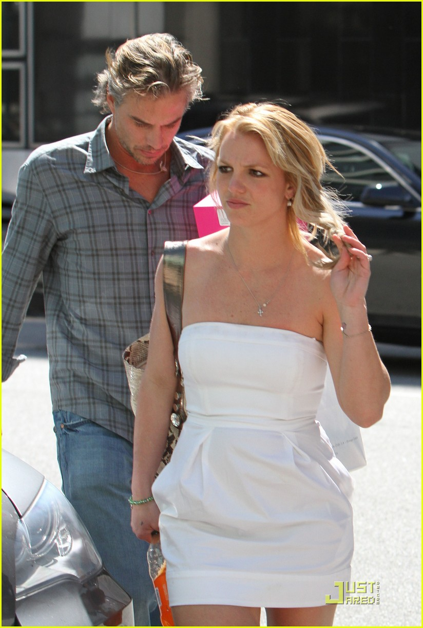 britney spears trawick hand in hand 032435585