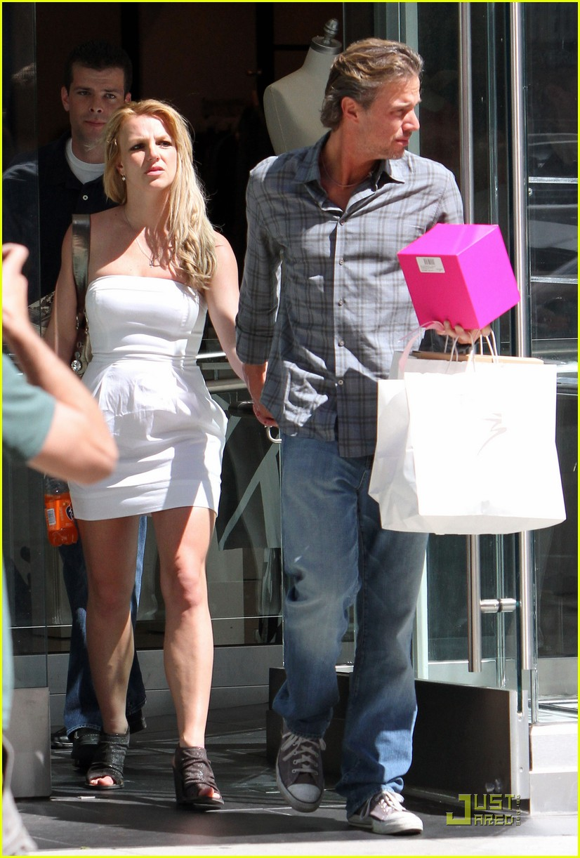 britney spears trawick hand in hand 052435587