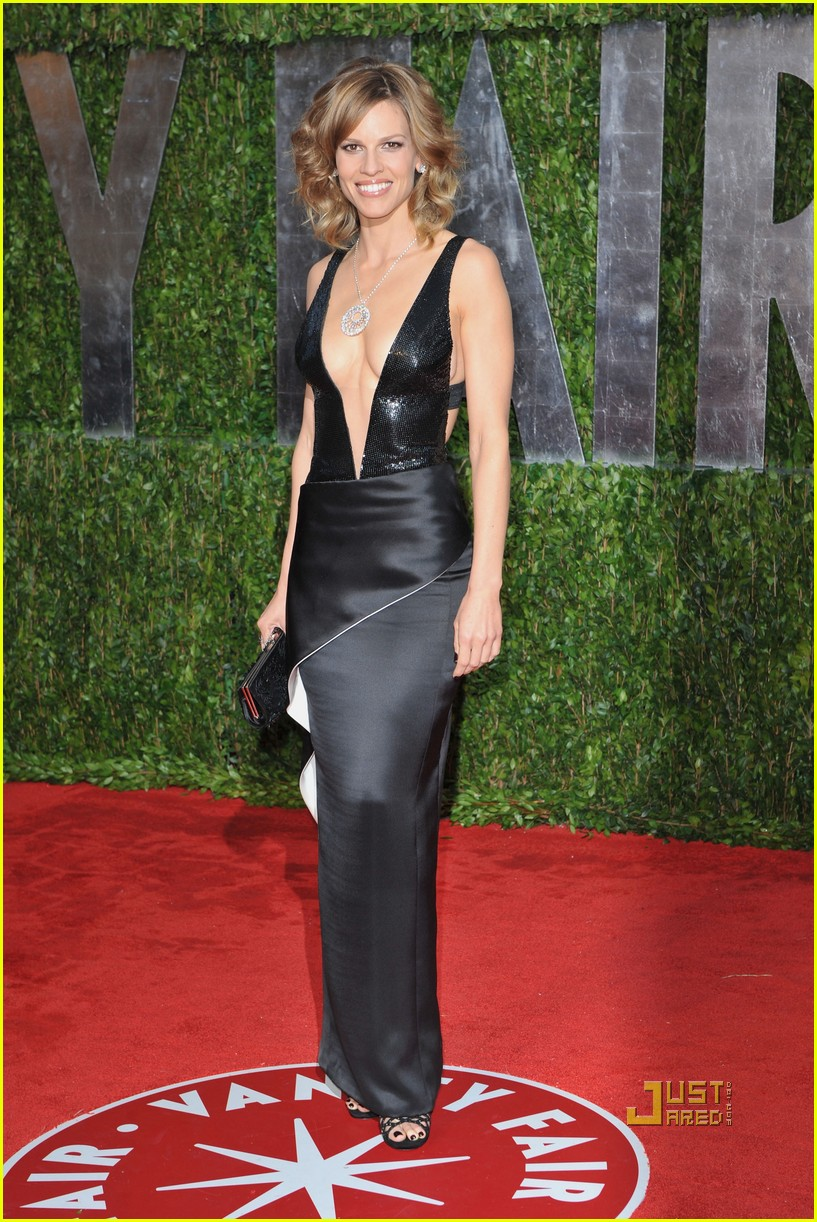 hilary swank vanity fair oscar after party 042433040