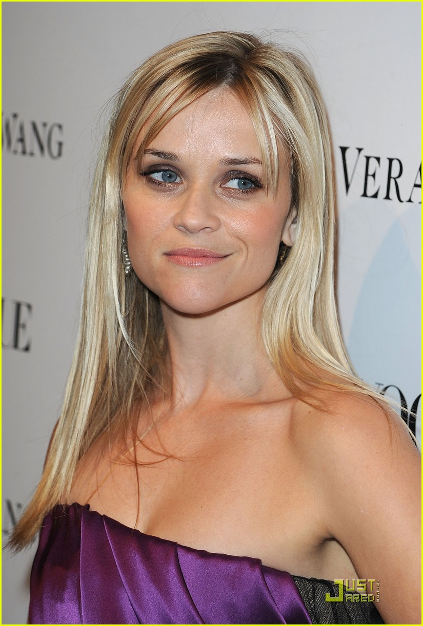 reese witherspoon views vera wang 132431602