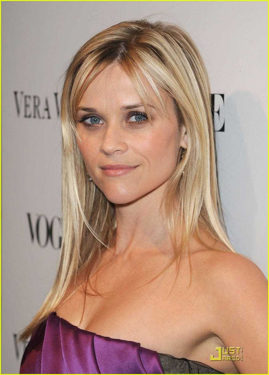 reese witherspoon views vera wang 152431604