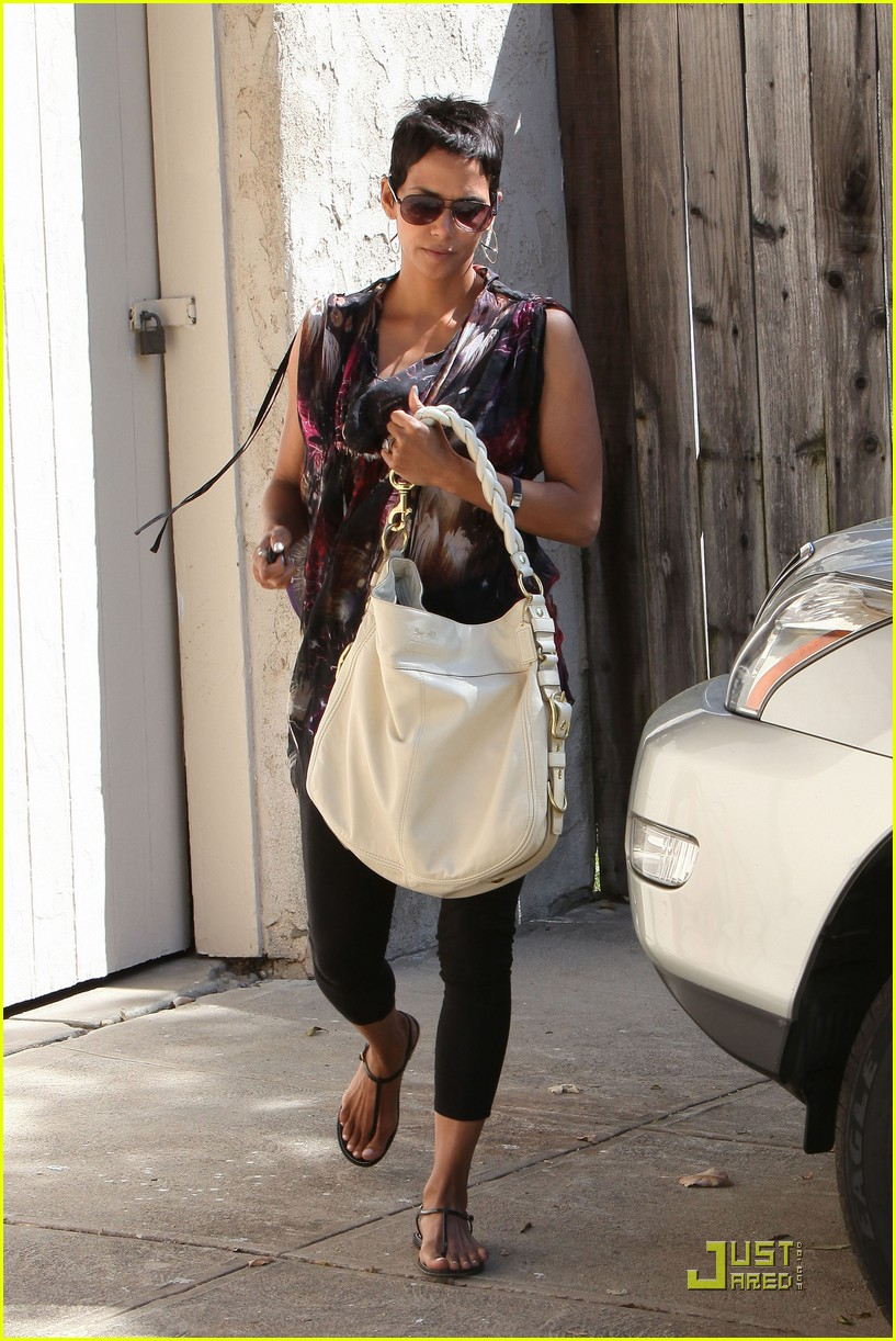 halle berry friends forever 062439386