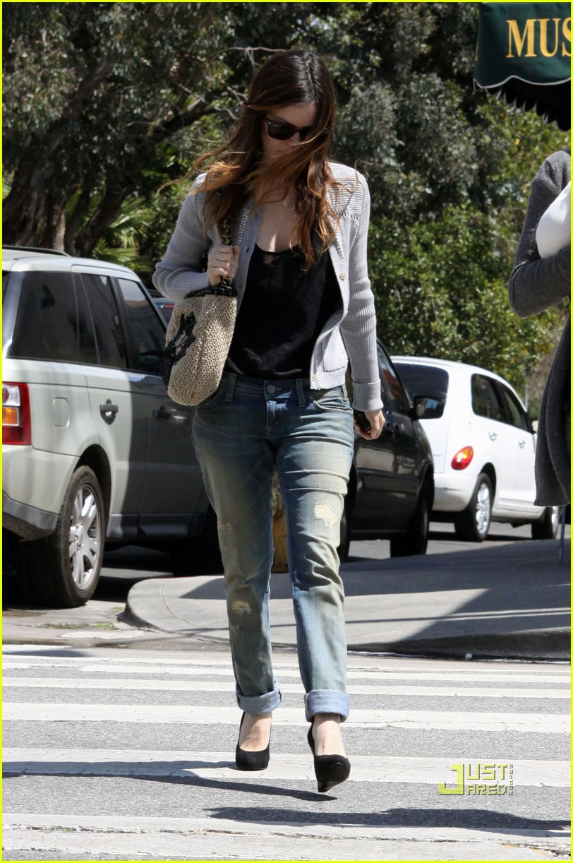 rachel bilson secret weird habit 18