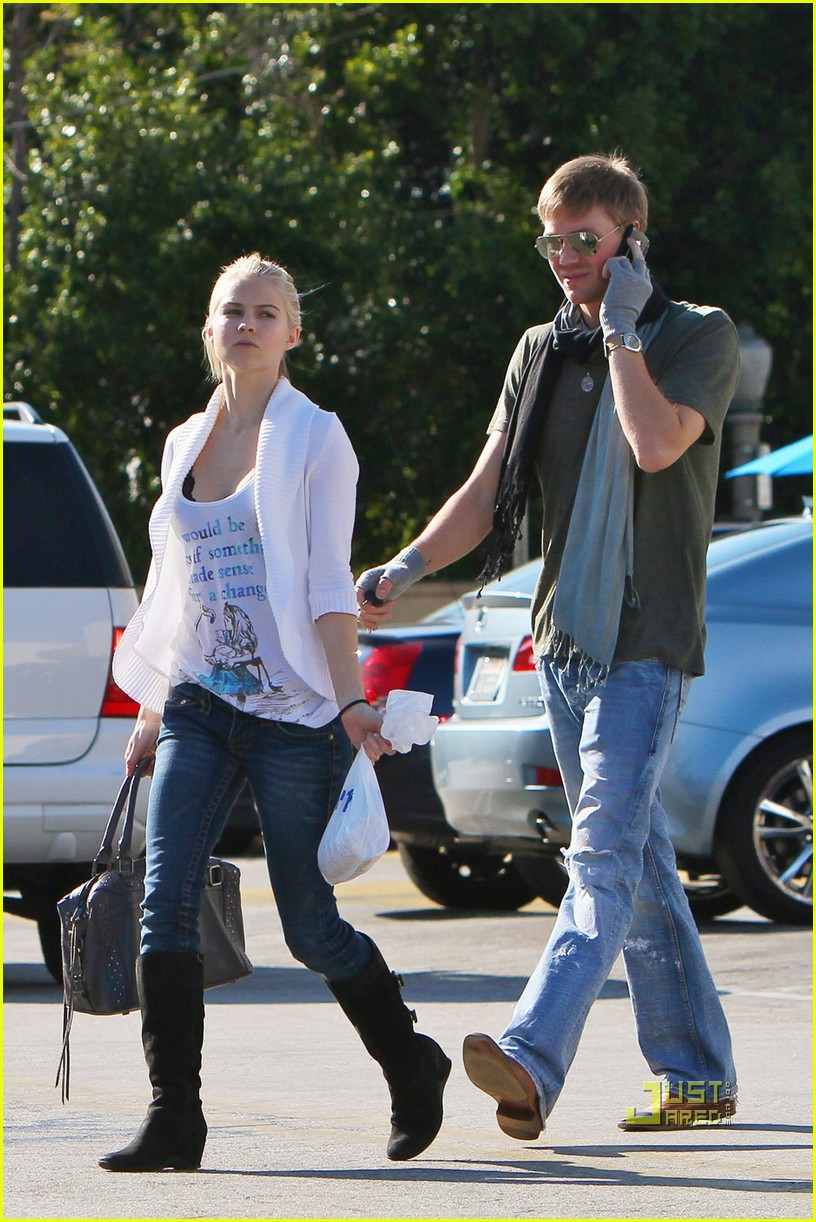 chad michael murray gas station 02