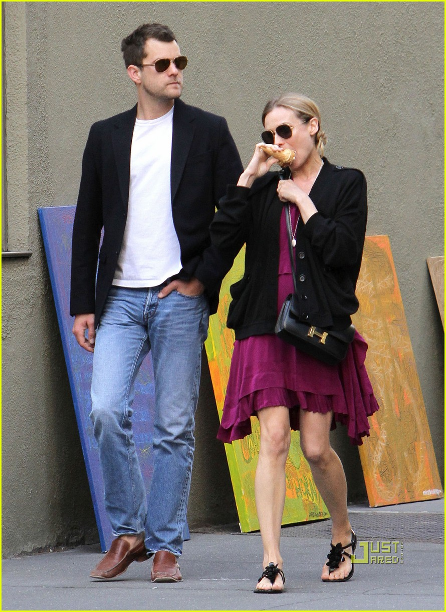 diane kruger joshua jackson ice cream soho 02