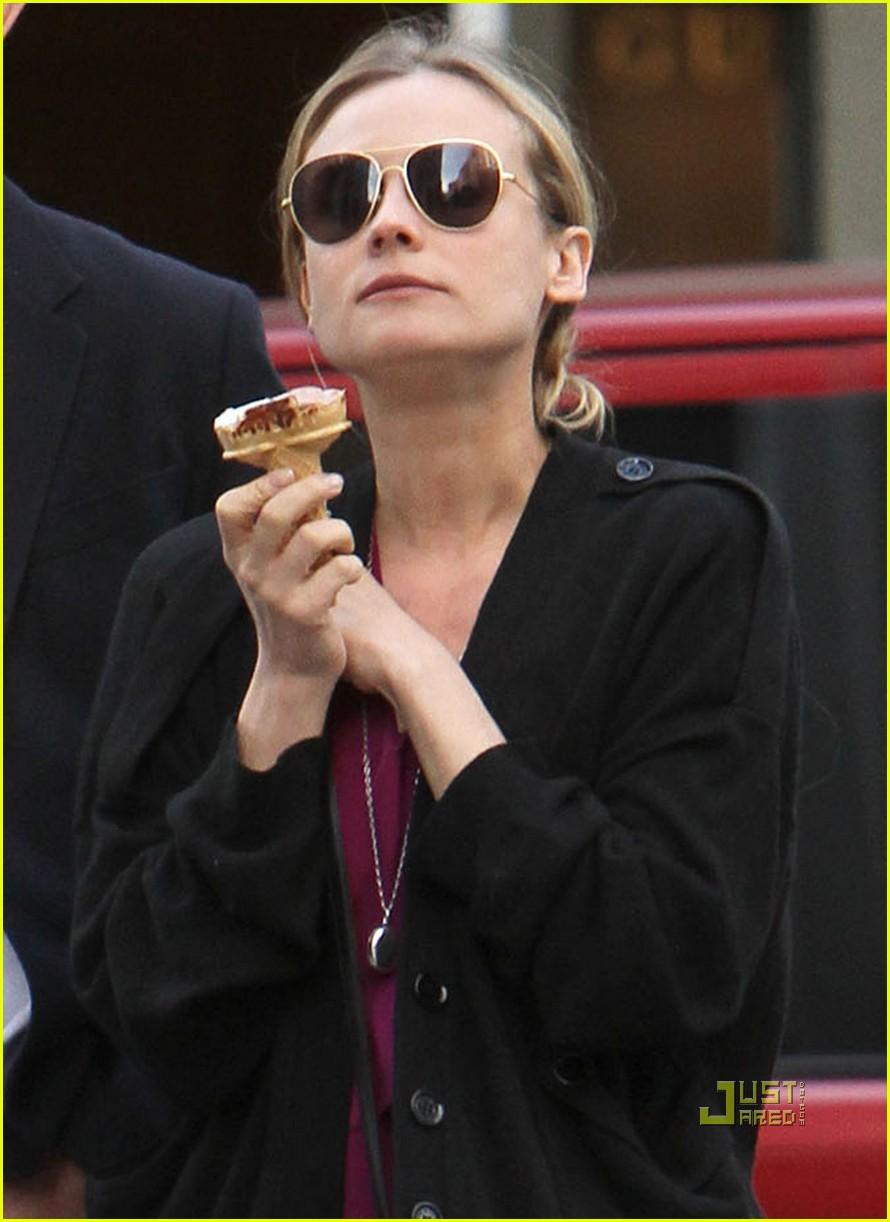 diane kruger joshua jackson ice cream soho 032444490