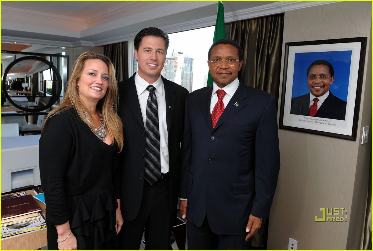 doug pitt goodwill ambassador tanzania 032444135