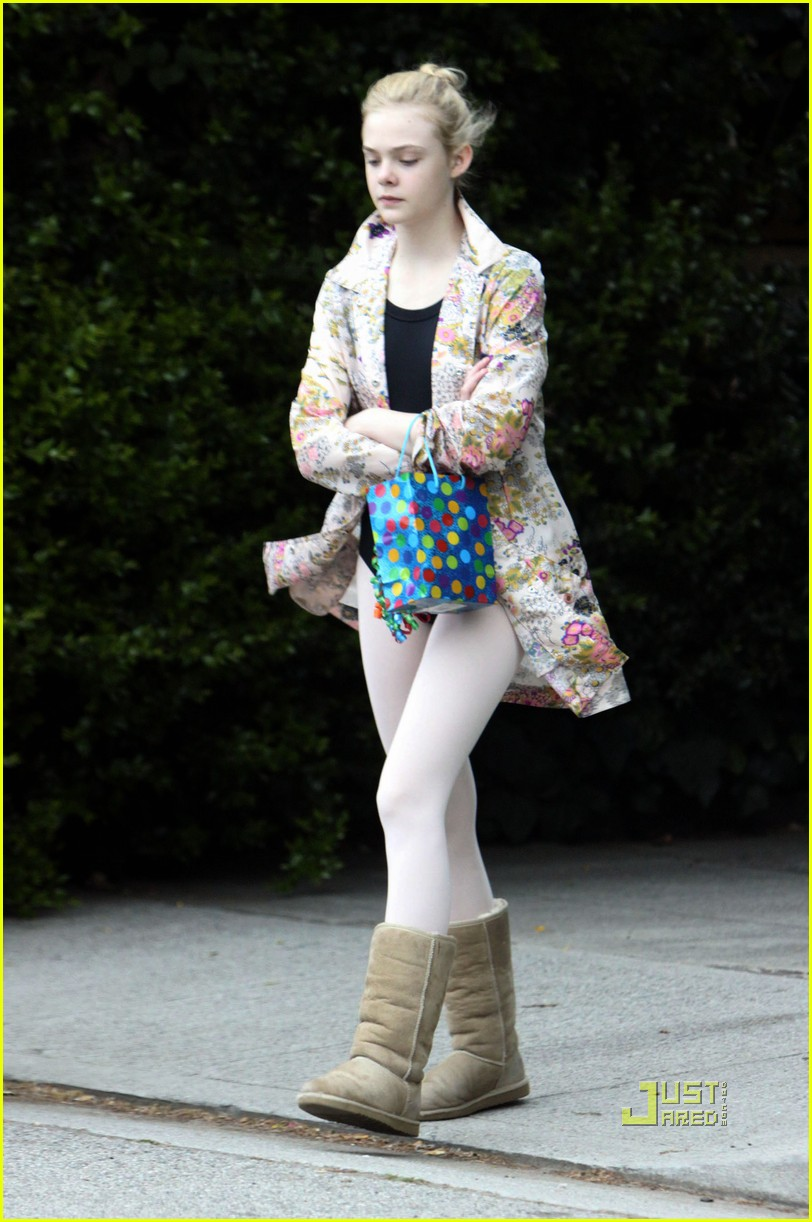 elle fanning ballet class belated birthday 032441580