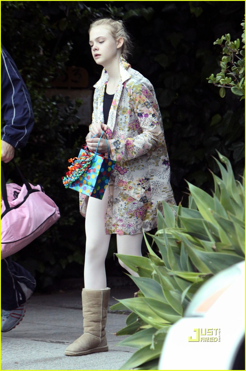 elle fanning ballet class belated birthday 07