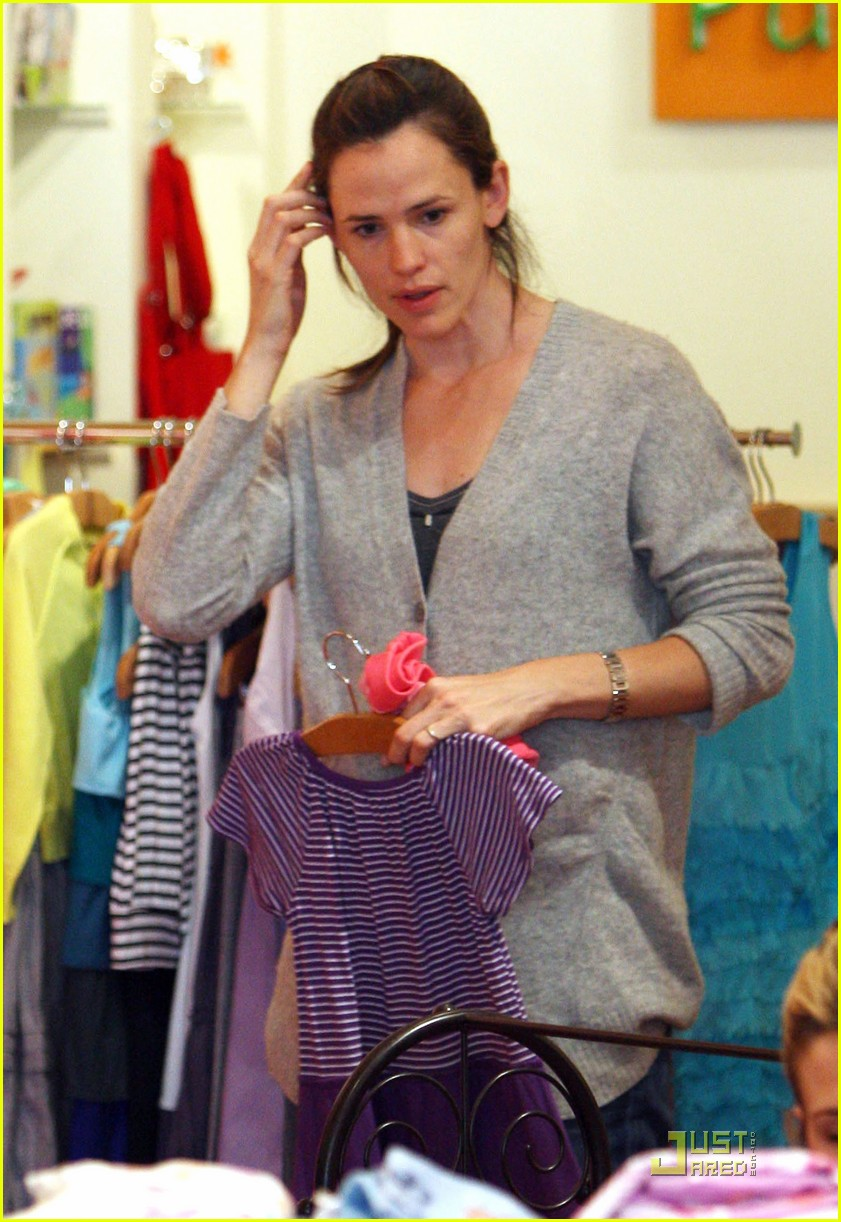 jennifer garner shopping girls 022439144