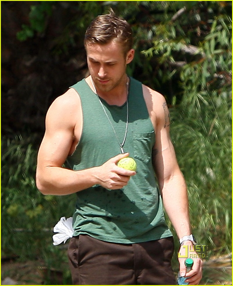ryan gosling sleeveless dog 022439822