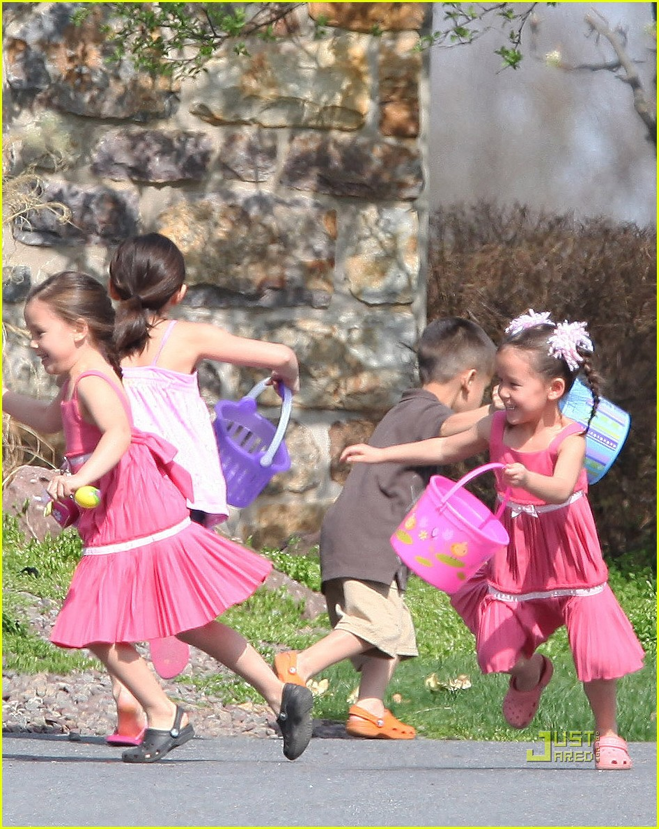 kate gosselin easter egg hunt 02
