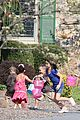kate gosselin easter egg hunt 06
