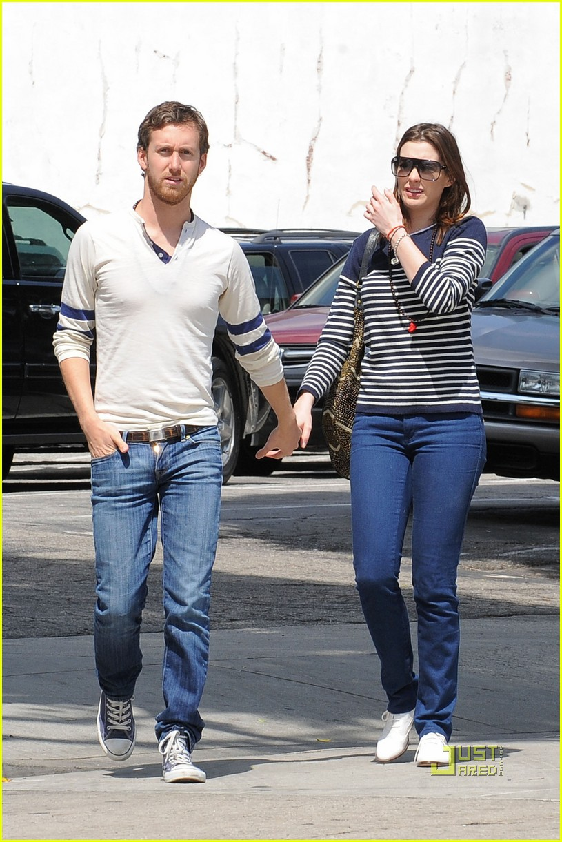 anne hathaway striped sweater lunch adam shulman 01