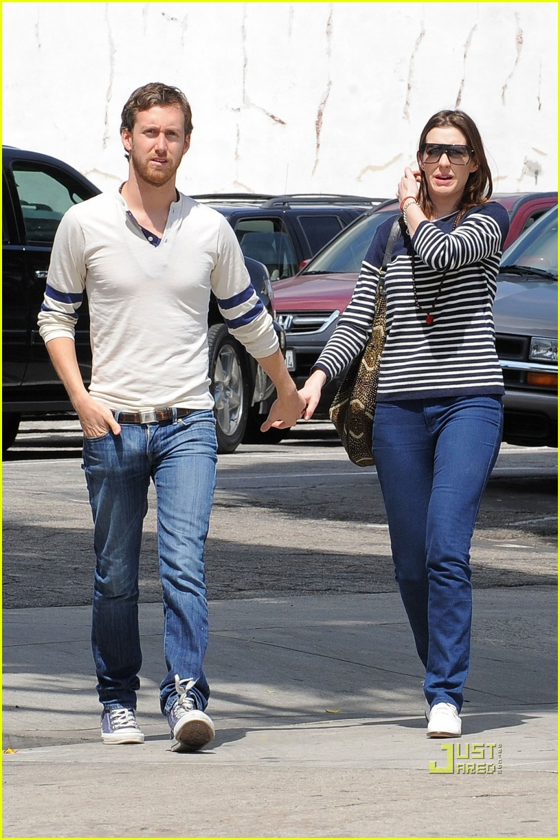 anne hathaway striped sweater lunch adam shulman 052439518