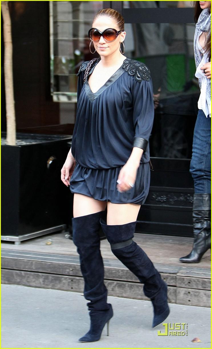 c01a85fb9e3 Jennifer Lopez Backs Up Paris  Photo 2445741