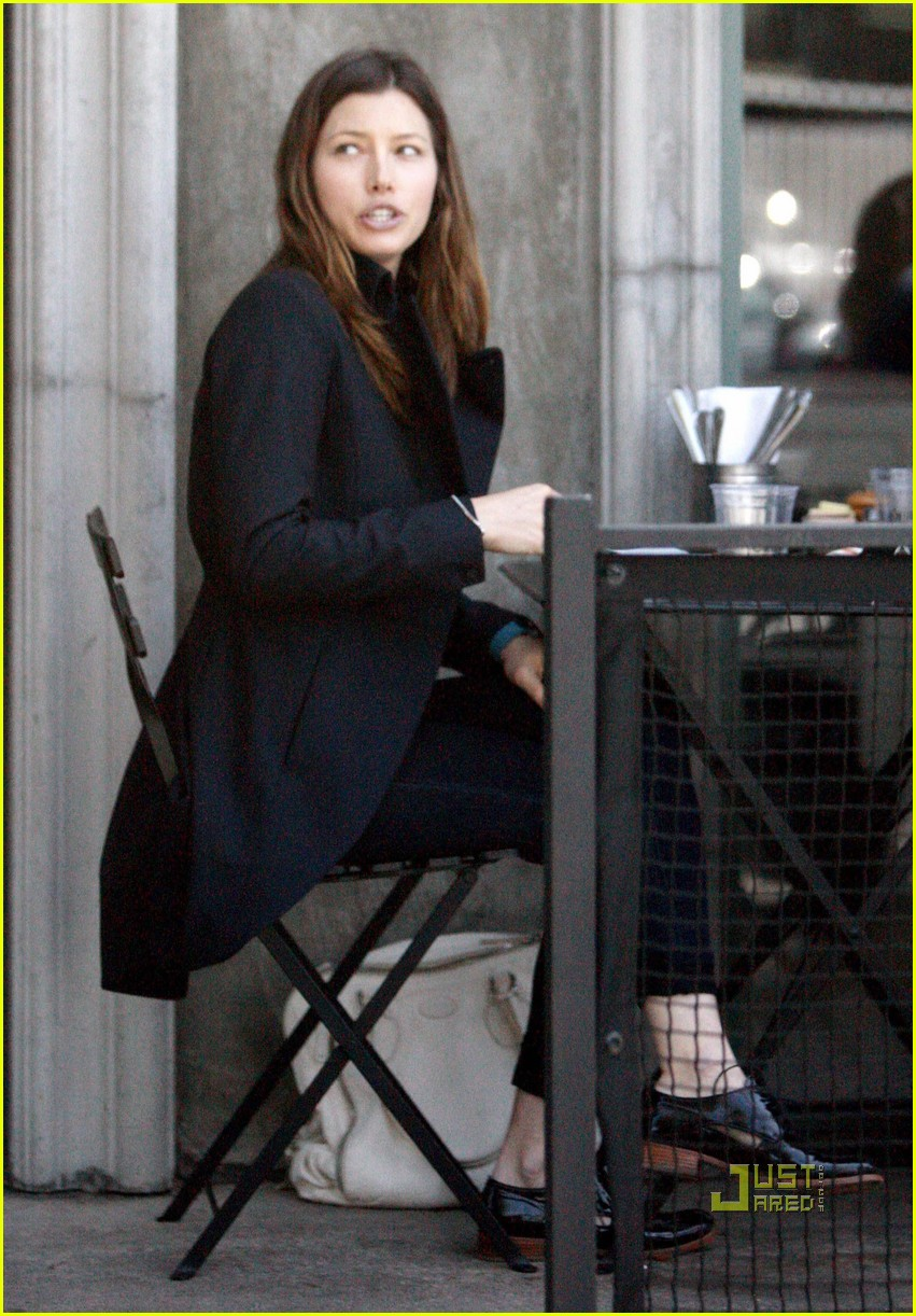 jessica biel lunch toast 082442669
