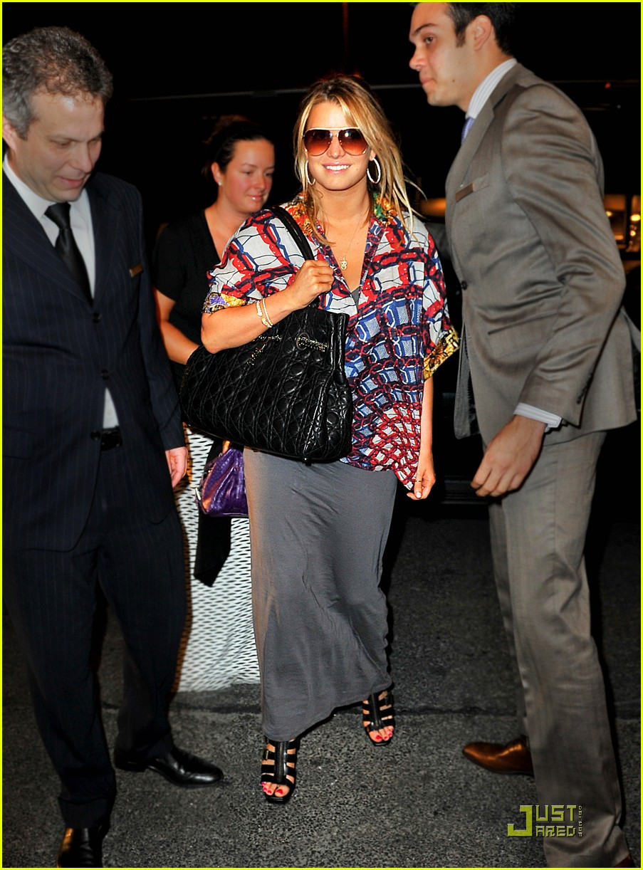 jessica simpson loves midtown manhattan 09