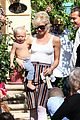 kingston zuma rossdale hug 02