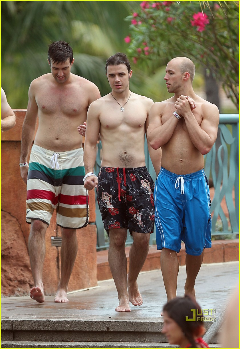 Kris Allen Shirtless Sexy With Wife Katy Photo 2443725