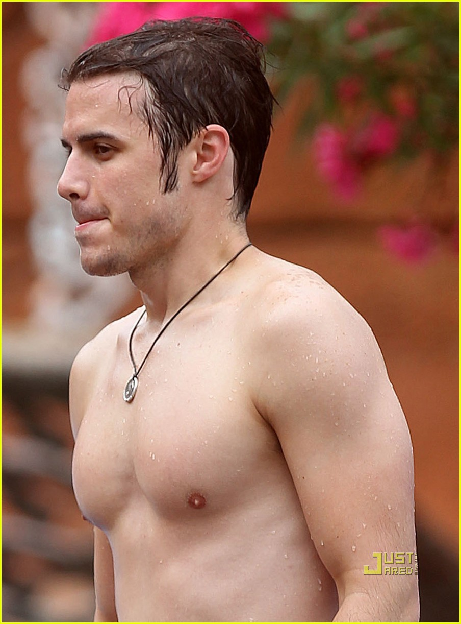 kris allen shirtless 03