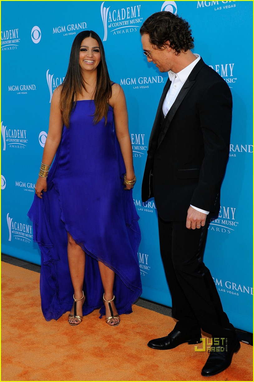 matthew mcconaughey acm awards camila alves 03