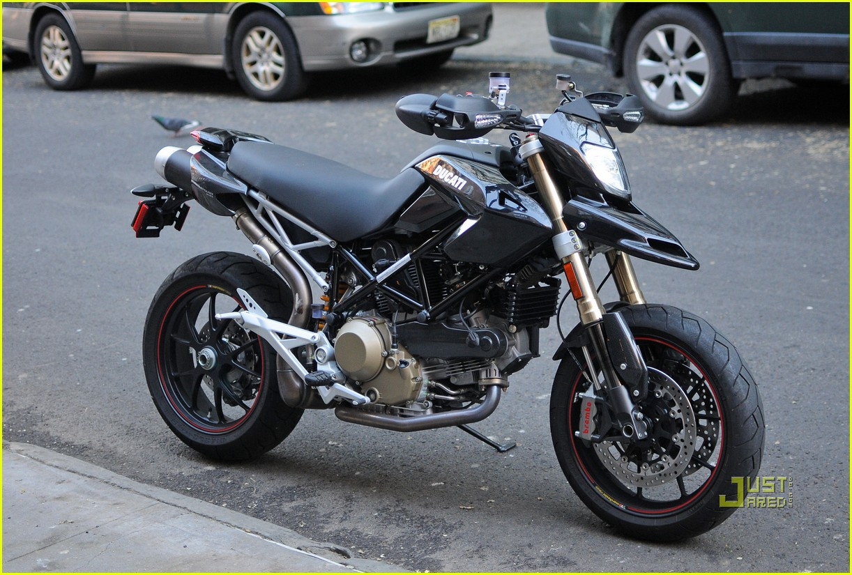 orlando bloom miranda kerr motorcycle 102439954