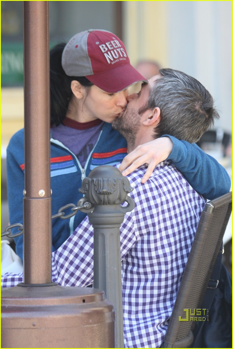 sarah silverman alec sulkin kissing couple 14