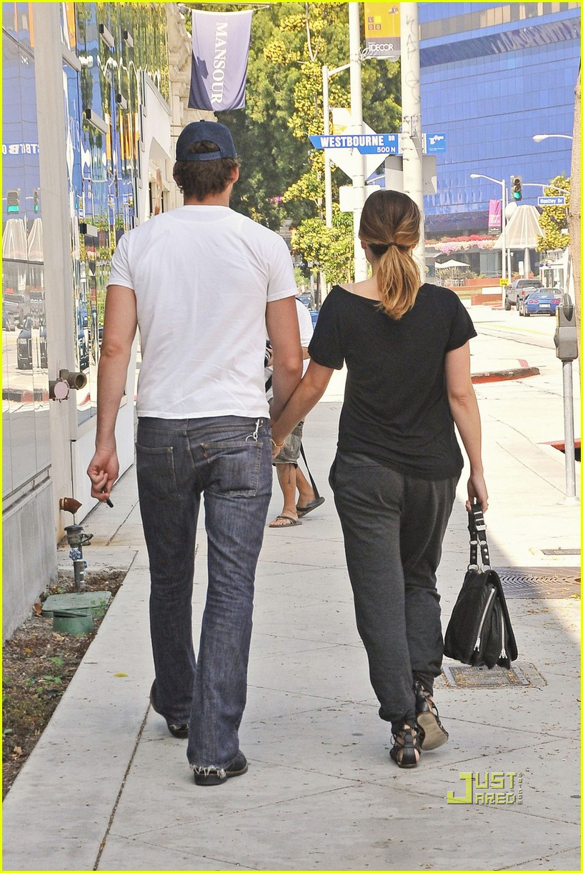 sophia bush and austin nichols relationship marketing