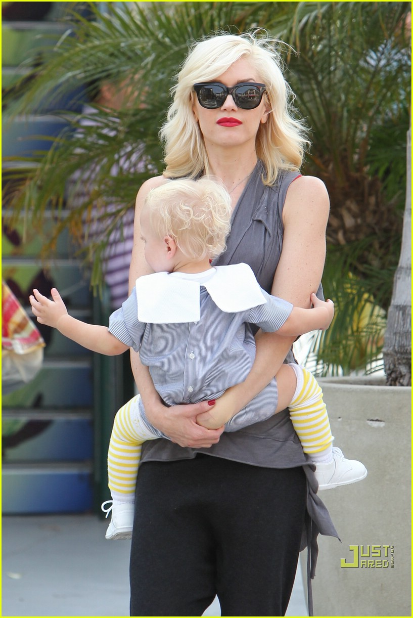 gwen stefani bonding boys 102439654
