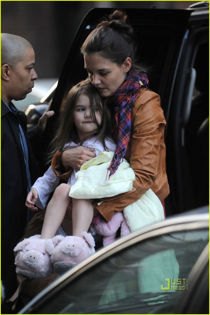 suri cruise piggy slippers 03