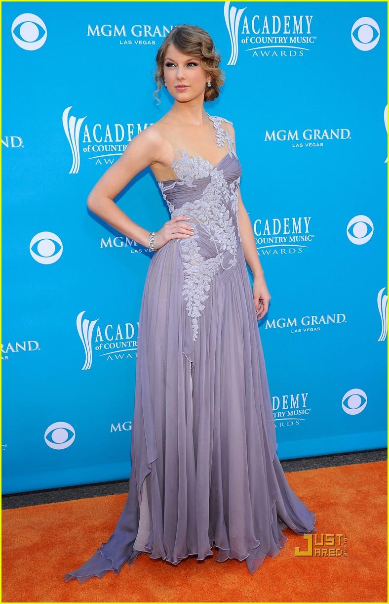 Taylor Swift - ACM Awards 2010 Performance!: Photo 2443698 ...