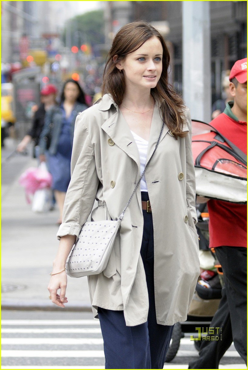 alexis bledel lunch friend nyc trenchcoat 032453447
